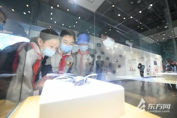 生物安全法15日起实施,150名小学生走进自然博物馆参观国门生物安全展厅